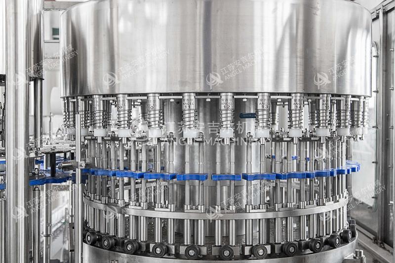 15000瓶/小时瓶装水灌装机
