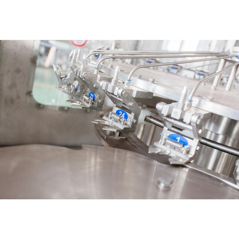 12000瓶/小时瓶装水灌装机